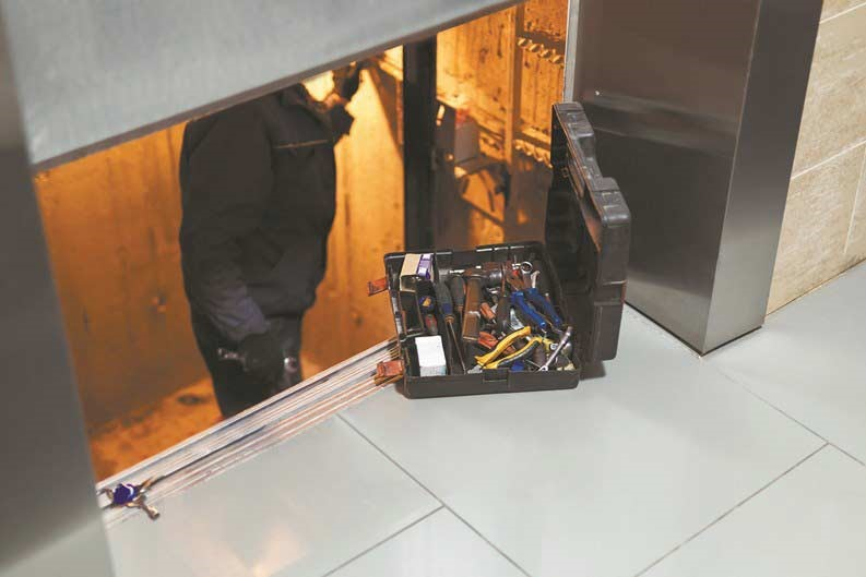 خرابی آسانسور 2
